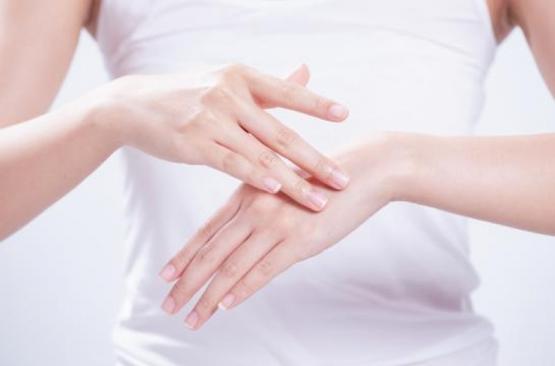 Dealing with 5 Common Causes of Dry Skin